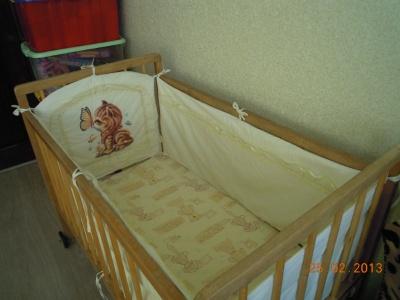 Продам бортики на детскую кроватку в Тольятти.
